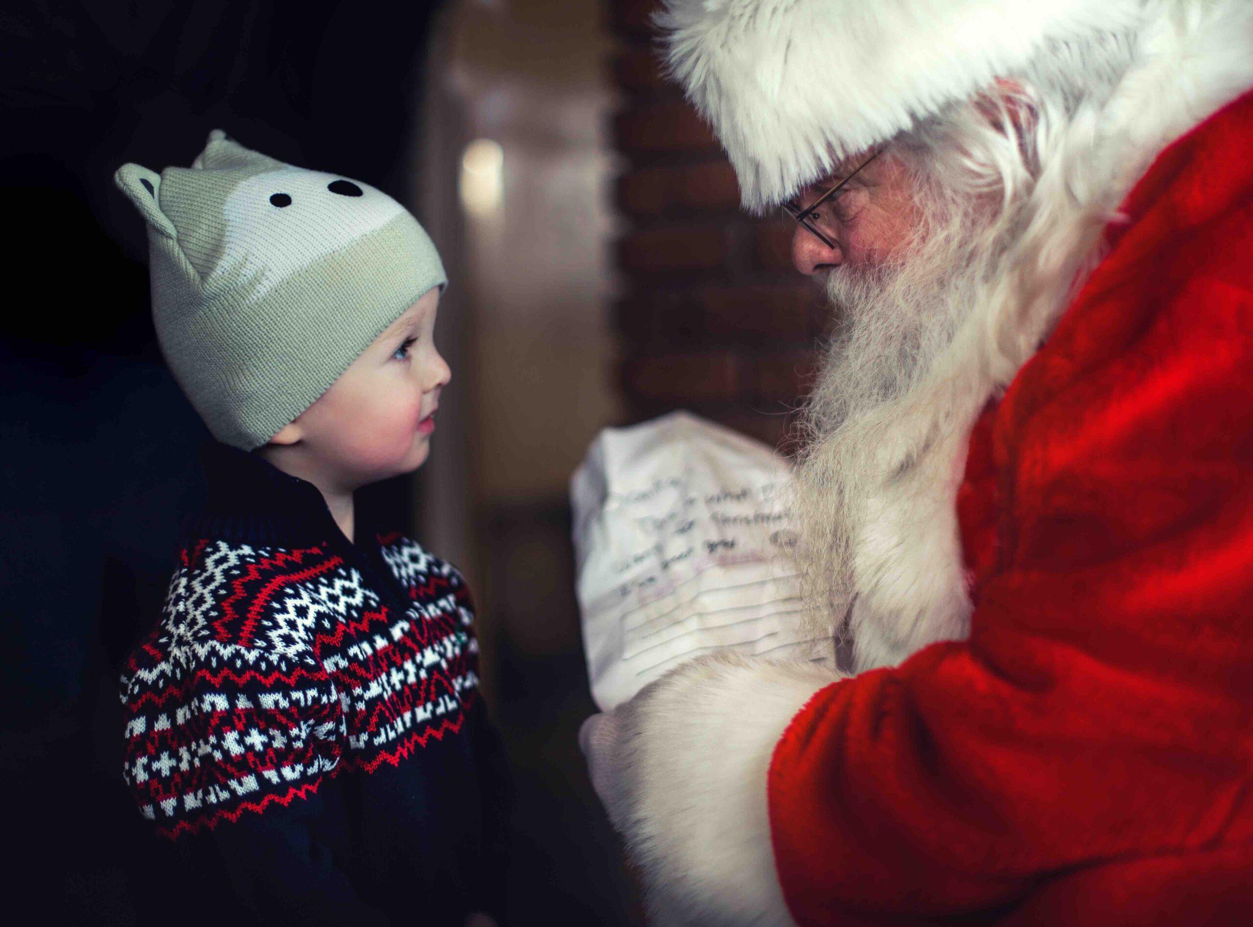 So rückst du dein Unternehmen optimal ins weihnachtliche Licht U&US Magazin Weihnachtsfeier