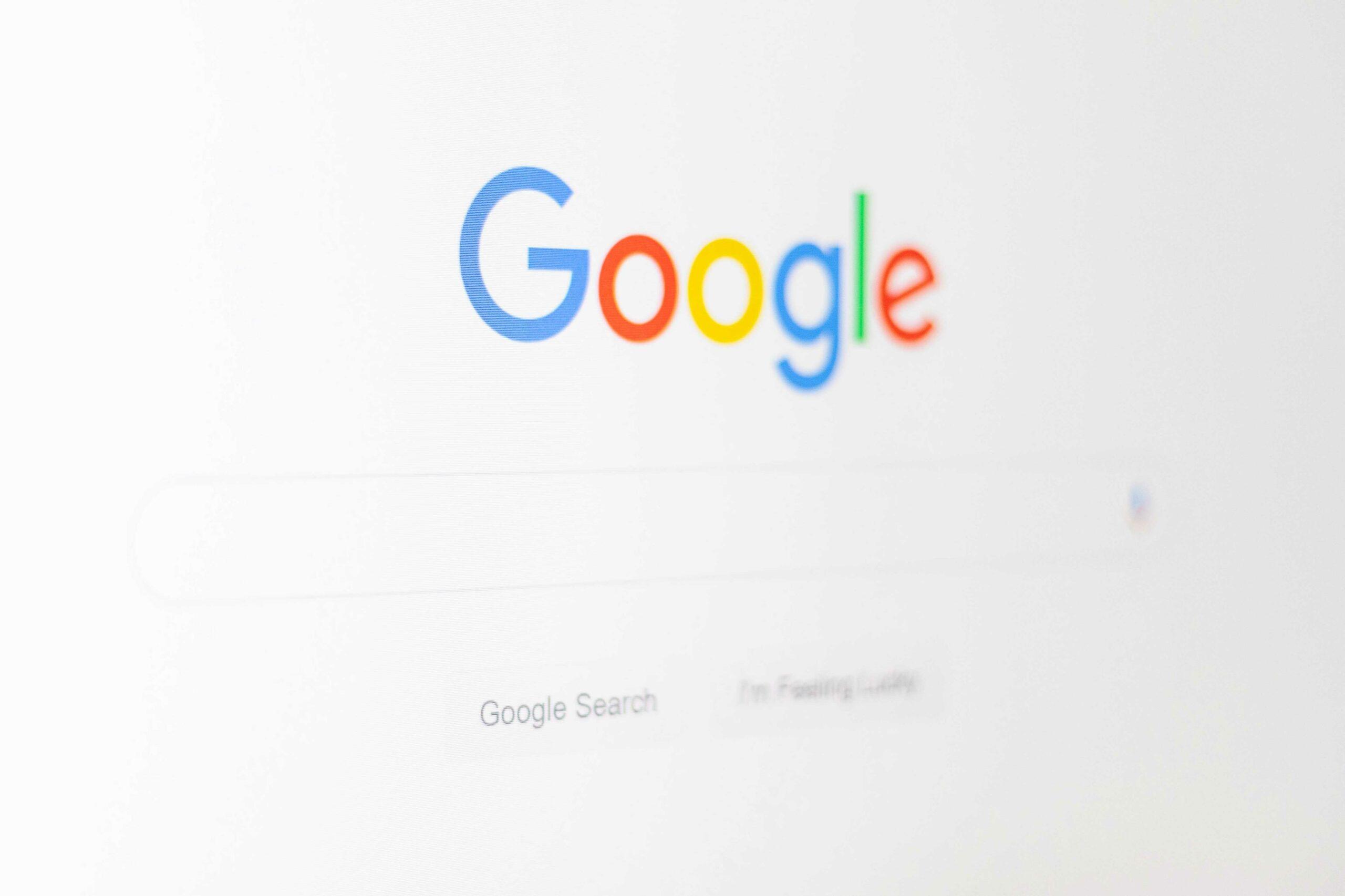 Google SEO-Optimierung mit Videos URBAN & UNCUT Studios (Suchmaschinenoptimierung). Noch nie davon gehört? Dann bist du bei URBAN & UNCUT genau richtig. Wir erklären dir was SEO-Optimierung überhaupt ist, wie es funktioniert und warum es aus der digitalen Welt und bei Websites nicht mehr wegzudenken ist. Wenn du wissen willst wie du dich durch SEO-Optimierung besser im Internet platzieren kannst, dann bleib dran.