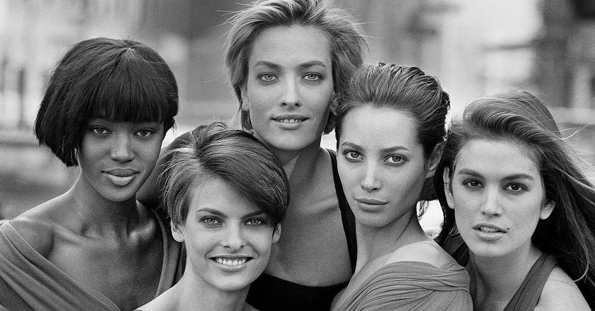Fünf Supermodels 1988 schwarz/weiß by Peter Lindbergh