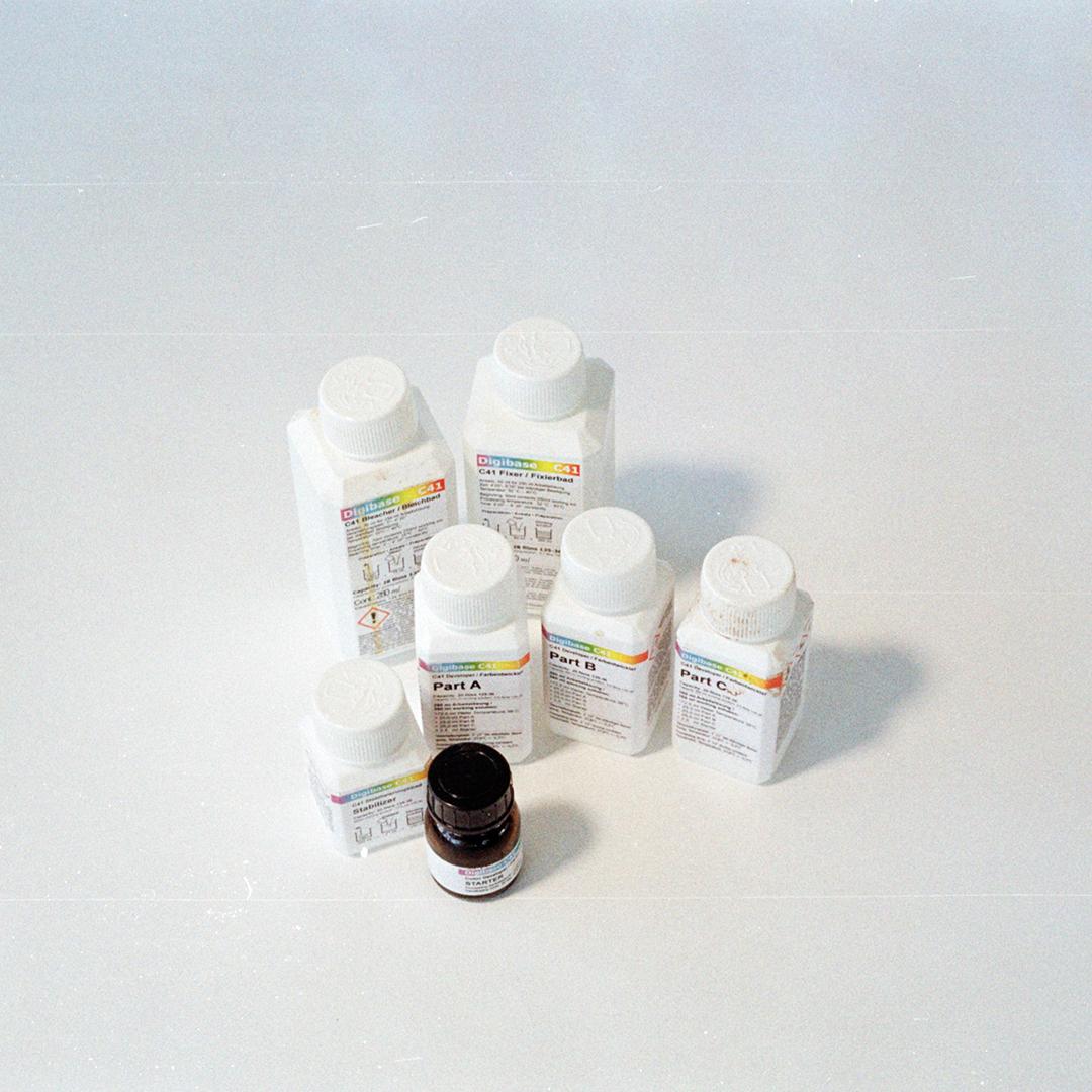 Chemikalien zur Entwicklung von Analog Film Farbfilm selber entwickeln URBAN & UNCUT Studios