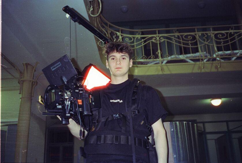Linus Kirschner ERRDEKA Musikvideo Kopf im Sand Filmproduktion in Augsburg