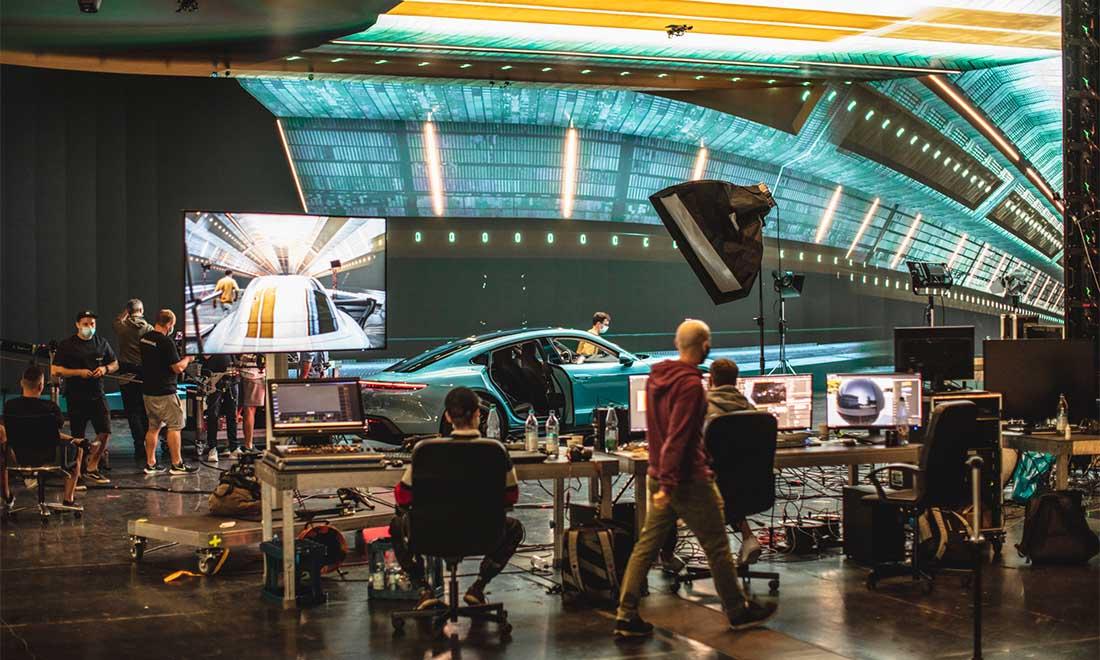Filmproduktion Service Produktion Hyperbowl Studio München Porsche Taycan URBAN & UNCUT Studios
