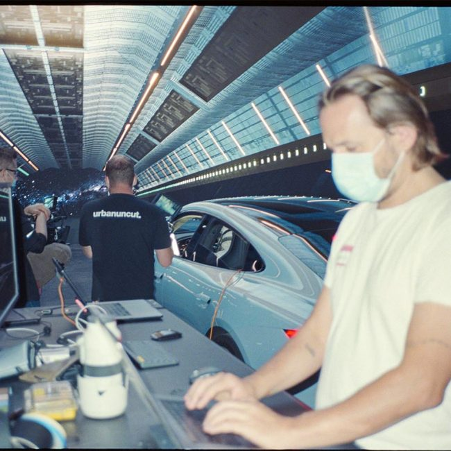 Postproduktion Hyperbowl Studio München Porsche Taycan