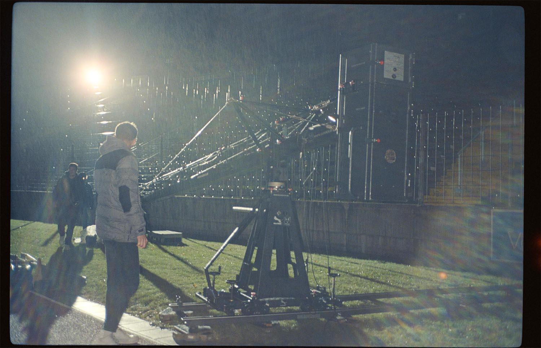 Born Guilty mit The Sweetspot Social Spot Filmproduktion Film Set Regen