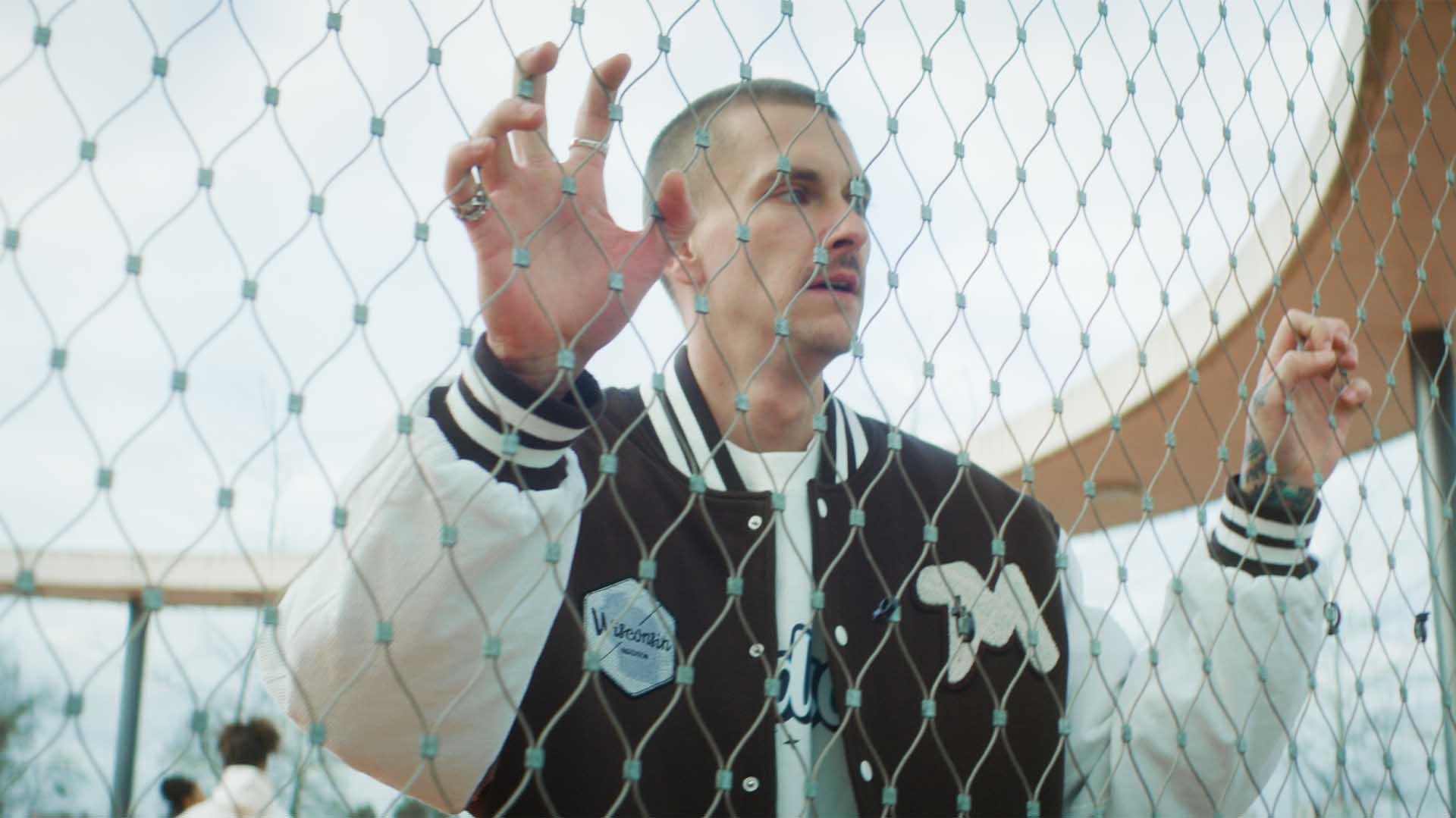 Willy Iffland Filmproduktion München Model Basketballplatz Madison Clothing Junior High Kollektion